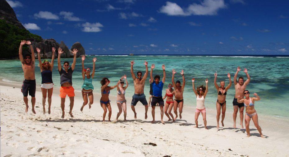 equipaggio-saltando-seychelles